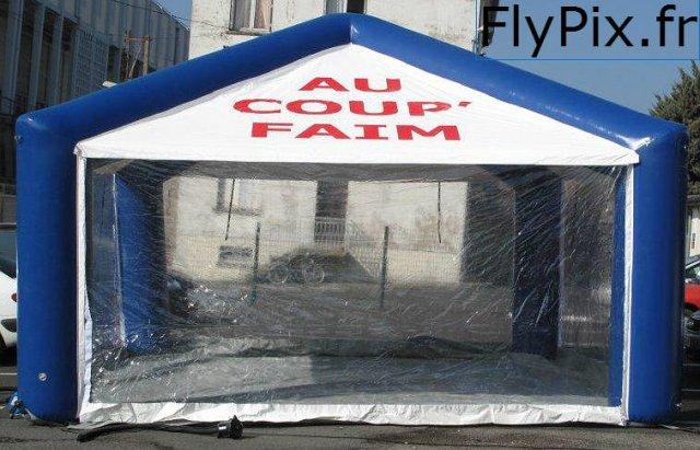Tente gonflable bar, buvettes, snacks, resto, restaurant, lors d'événements temporaires.