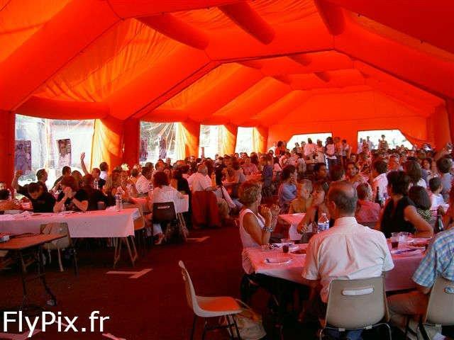 Tente abri gonflable pour séminaires, colloques et mariages.