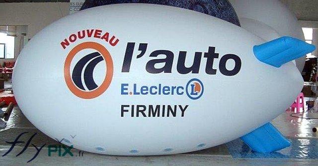 Ballon publicitaire dirigeable pour concessionnaire auto