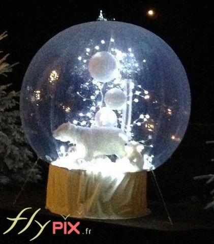 Décoration de Noël pour points de ventes, magasins et centres commerciaux: ballon sphérique personnalisé en forme de boule de neige