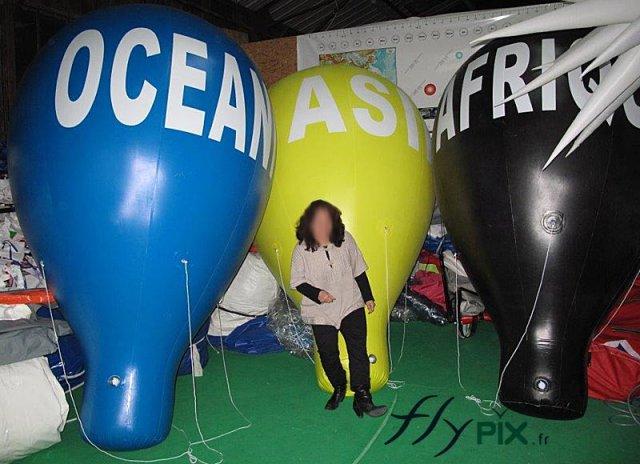 Ballons montgolfières PVC avec lettrages adhésifs