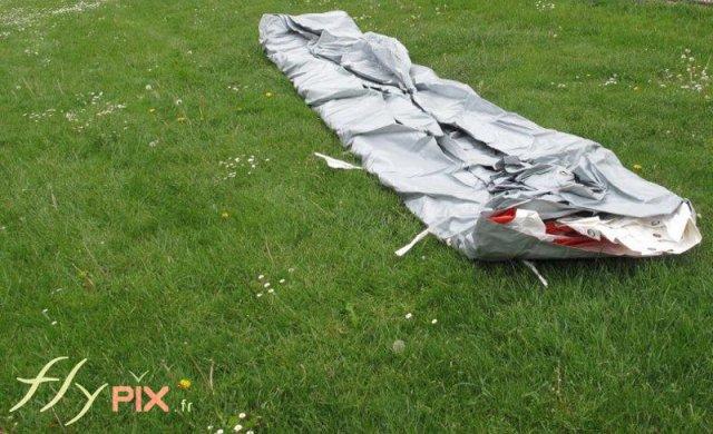 Dépliage de la tente gonflable PMA