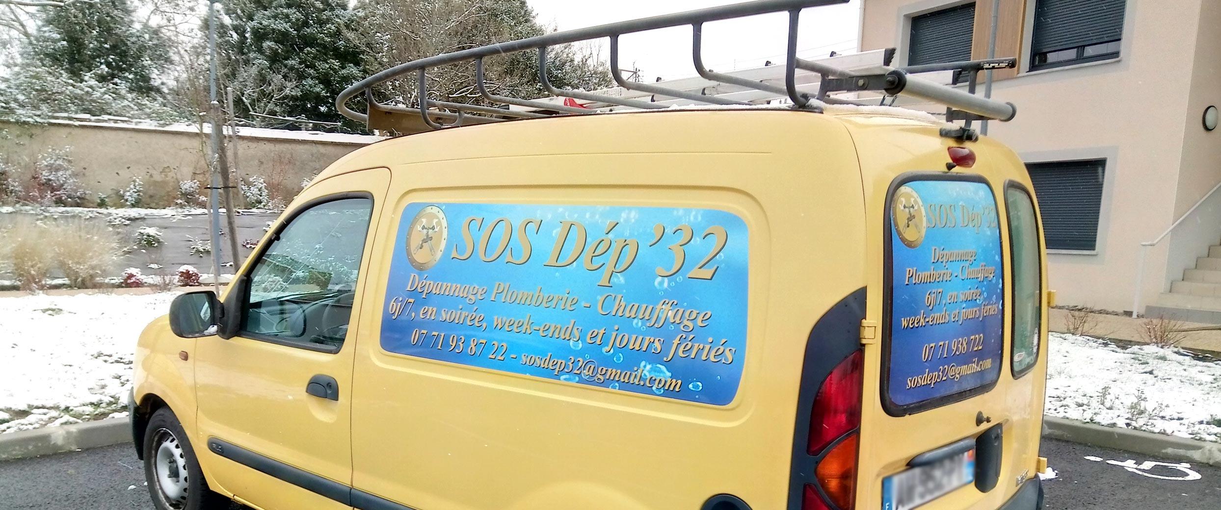 Marquages adhésifs de voiture pour artisans et commerçants.