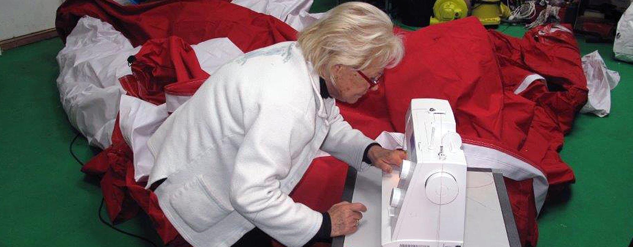 Couture sur toile parachute à la main ou à la machine