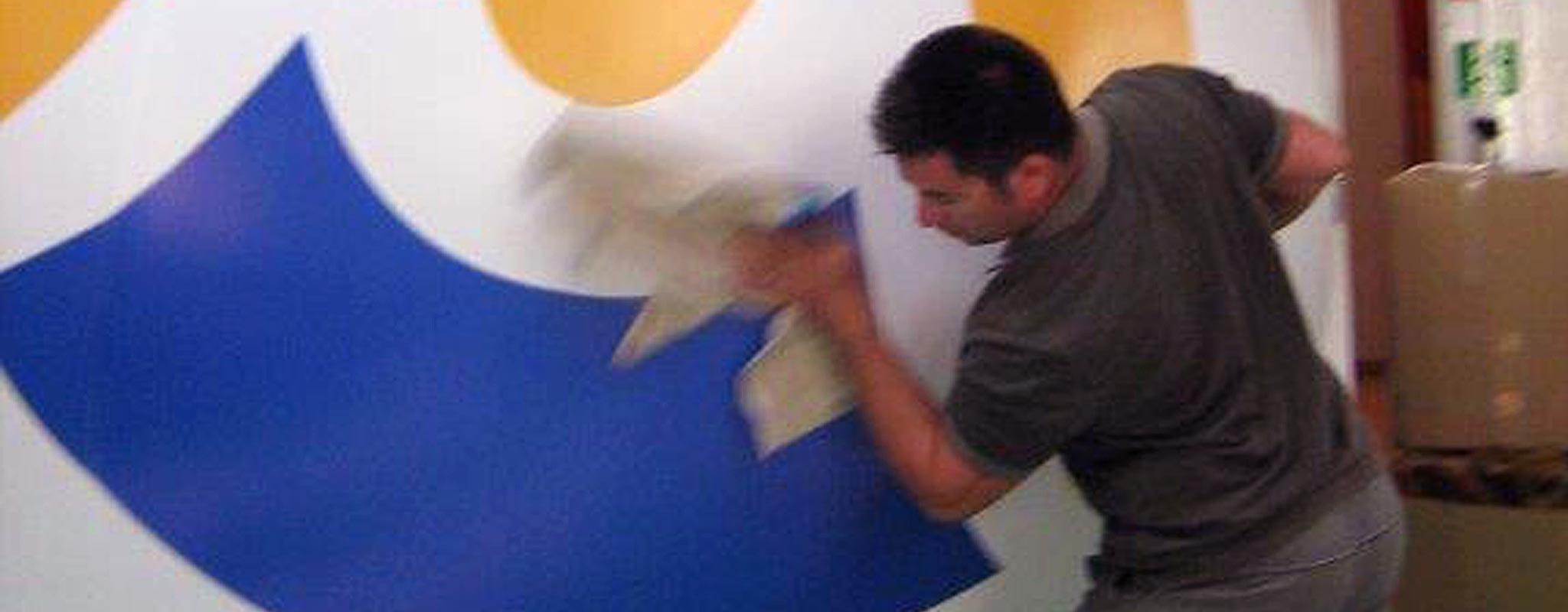 Nettoyage de structures gonflables et de ballons en PVC, toile Oxford ou toile parachute